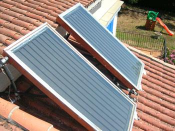 Nergie solaire archives ici japon for Panneaux solaires thermiques pour piscine