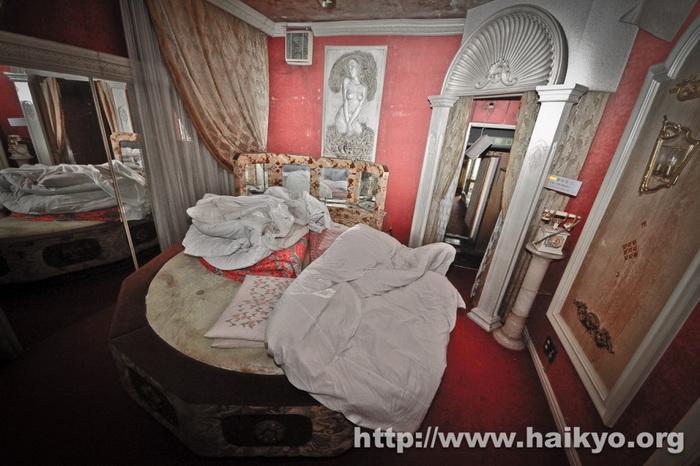 fuurin-motel-circle-bed